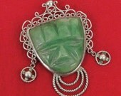 Vintage Face Shape Carved in Green Serpentine Set in Silver Colored Metal Pin Brooch Broach
