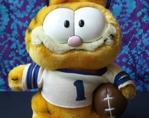 80's Toys ~ Vintage Garfield the Cat ~ #1 Football Fan ~ Plush ~ R. Dakin & Co. ~ Jim Davis ~ Stuffed Animal ~ 1981 ~ Child's Toy