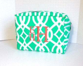 Monogrammed Makeup Bag, Mint Green Makeup Bag, Personalized Cosmetic Bag, Cosmetic Pouches, Bridesmaids Gifts, Bridal Shower Gift