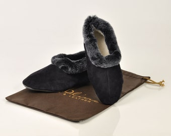 Women slippers. Fur slippers. Sheepskin slippers. Wool slippers. Blue slippers. Winter slippers. Warm slippers. Gift for her. Handmade.