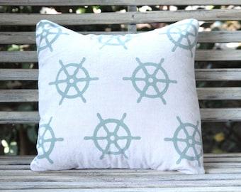 Helm pillow