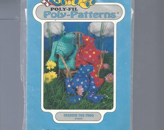 Poly-Fil Poly Patterns Freddie the Frog D-210 by Fairfield