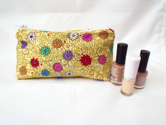 zipped pouch, make up purse, cosmetic bag, make up pouch,  coin purse, yellow daisy fabric