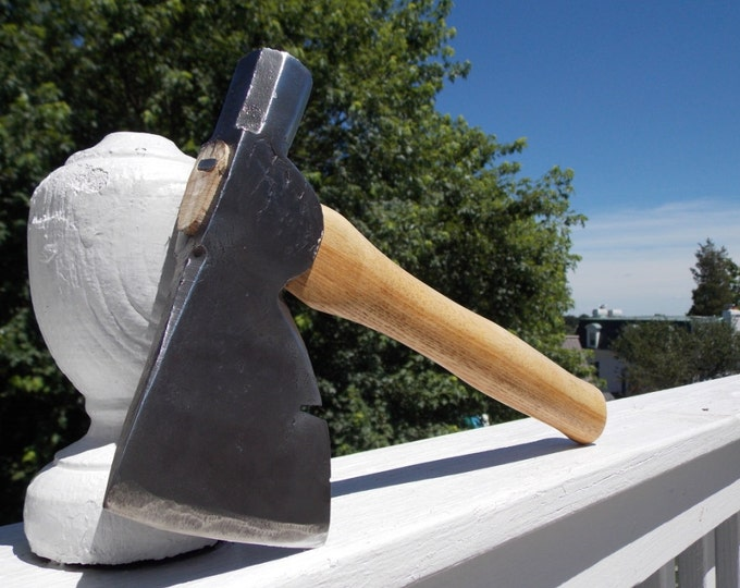Hatchet vintage with new 13.5 in handle of American Hickory