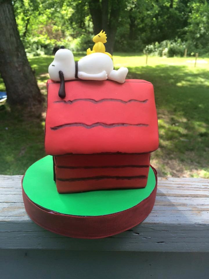 Snoopy Dog House Cake Topper