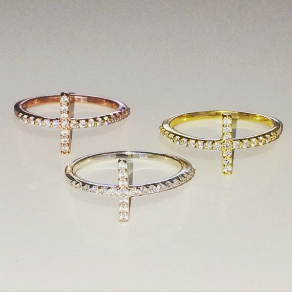 Cross ring with beautiful cubic zirconia ready for happy fingers, Waterproof