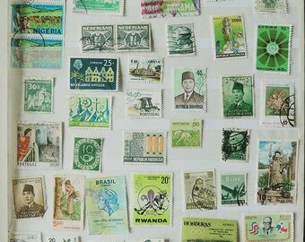 50 GREEN Vintage International Postage Stamps - Scrapbooking - Card Making - Collecting