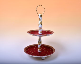 Beautiful wooden Gold cake stand ideal for Christmas