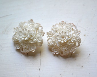 1950s Lacy White Floral Clip Earrings