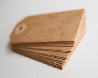 Tags in kraft paper, ideal for gifts, weddings etc. details