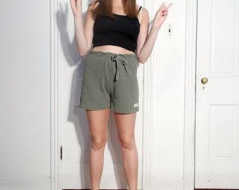 SALE! vintage comfy knit forest green shorts size M
