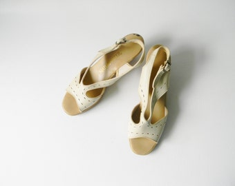 Women's Ivory Leather Heel Sandal ~ Size 7