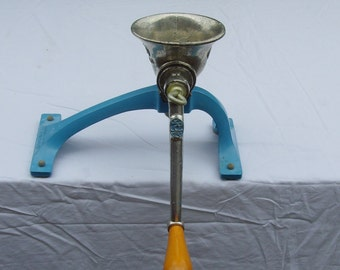 Spong (London) tabletop no-clamp mincer no. 301, blue base.