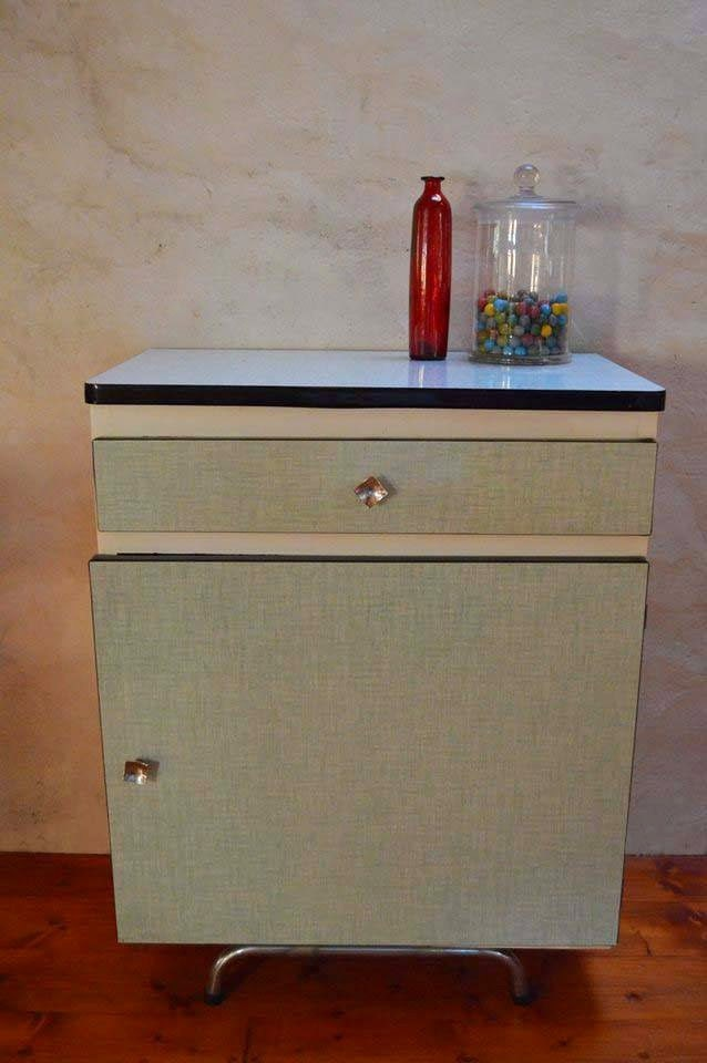Petit meuble vintage en formica ginette est verte for Meuble en formica