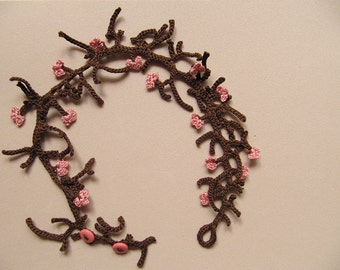 Crochet necklace-bracelet with branches and flowers