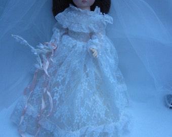 Vintage Allied Eastern bride doll