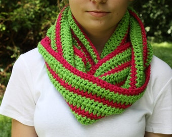Green and Pink Crochet Cowl