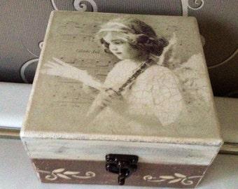 Keepsake, memories box,cream and brown jewelry box