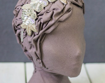 Silver Beaded and Sequin Floral Motif Headpiece