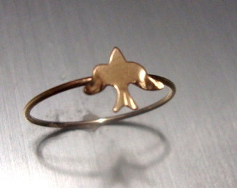 Ring Sparrow Bird - READY to SHIP Size 7.25   UK O - all  14k gold filled - Little Bird and Thin band a thread Eco friendly