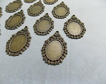 18 Floral Pendant Frames, Pendant Tray Fits17x24mm Cab Antique Brass Bronze Tone,filigree Flower Teardrop Pendant w Loop Oval Cameo 29x44mm