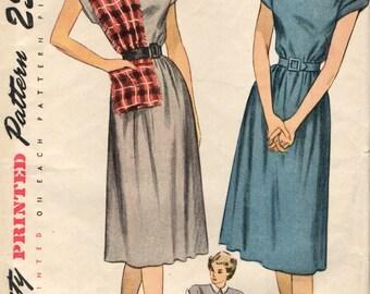 Simplicity 2148 CHEMISE DRESS Uncut Size 12 VINTAGE 1947