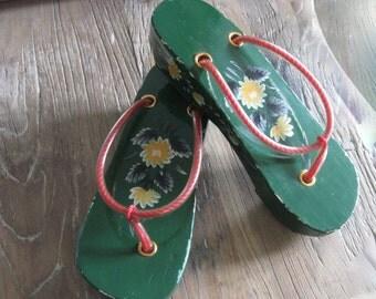 Antique Boutique Hand Painted Wooden Platform Thong Sandals Size 81/2