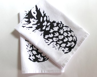 Pineapple Cloth Napkins - Hawaiin Style - Black and White Dinner Napkins - Luau Napkins - Summer Entertaining - Luau Party