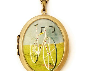 Tour de France - Photo Locket - Le Tour Bicycle Wearable Photo Locket Necklace