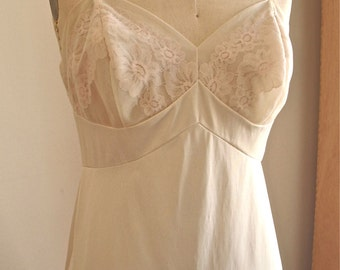 Florence   Vintage 1970s Vanity Fair Beige Nylon Full Slip with Floral Lace and Mesh