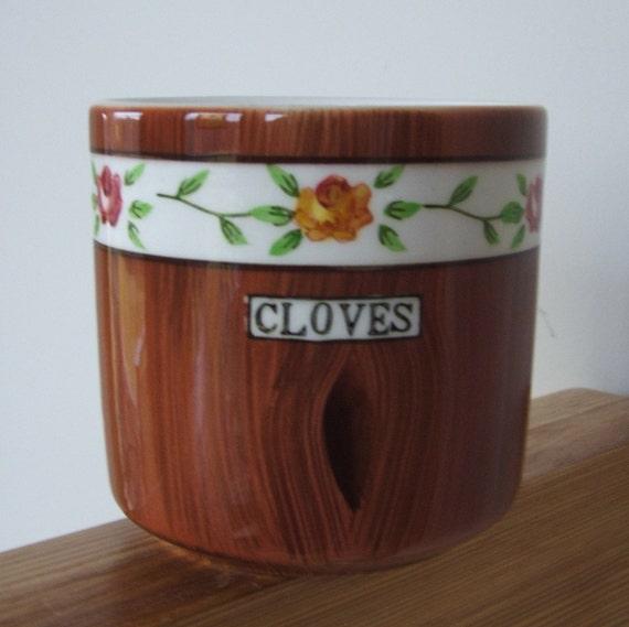Vintage CLOVES Ceramic Pot