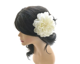 Wedding hair flower, Ivory flower hair clip, Wedding flower hair fascinator, bridal hair accessory, ivory hair piece, Dahlia hair flower