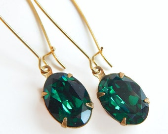 Oval emerald green earrings - created with SWAROVSKI® crystals