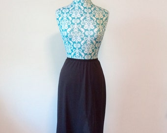 vintage black slip // womens half slip // wide lace trim sexy Shadowline 1970s 70s