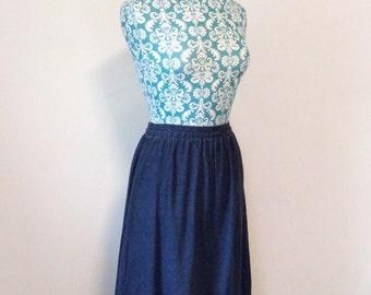 vintage womens skirt // midi length 1970s 70s dark denim // prairie ruffled hem