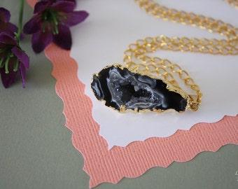 Druzy Necklace Gold, Geode Necklace, Half Slice Geode, Crystal Necklace, Gold Geode Slice Druzy, Egg Shaped Geode, GG114