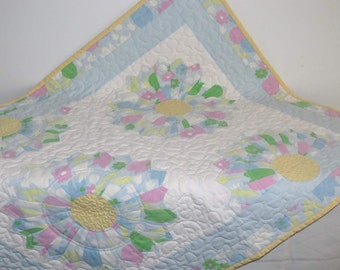 Pastel Baby Quilt, Dresdan Plate, Up-cycled Vintage Sheets