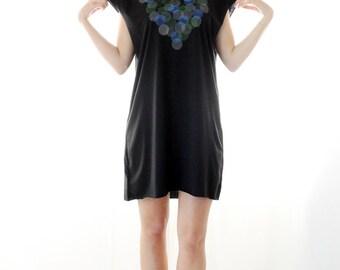 Women t-shirt dress,short sleeves Black tshirt, hand-stenciled circles print, printed tunic, Designer Shirt