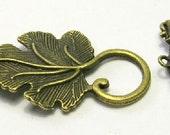 Bronze Tone Vine Leaf Toggle Clasp