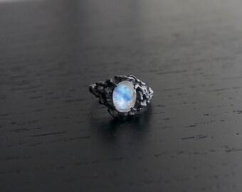 Sea Nymph Ring II - Moonstone