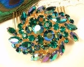 Emerald Green Rhinestone Wedding Hair Comb, Vintage Gold Brooch to OOAK Headpiece, Marquise Crystal Green Hairpiece Bridal Accessory Peacock