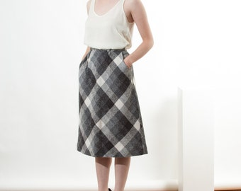 Plaid Wool Skirt / Midi High Waisted Skirt / Flared Grey Skirt