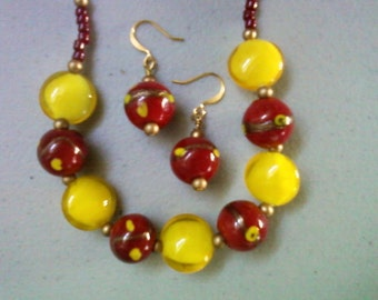 Bright Yellow and Crimson Red Necklace and Earrings (0557)