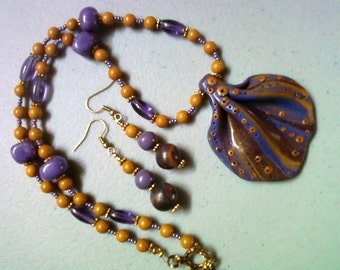 Mustard and Grape Necklace and Earrings (0815)