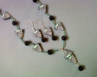 Black, White and Mint Green Geometric Design Necklace and Earrings (0530)