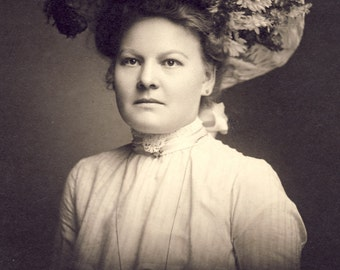 Beautiful Rosie In Her Fabulous EDWARDIAN FLOWER and FEATHER Hat Photo Circa 1905 Milwaukee Wisconsin