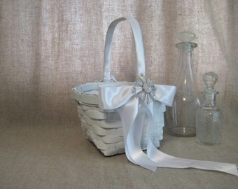 Flower Girl Basket in White with Keepsake Vtg Monet Pin / Favor Basket / Program Basket / White Basket for Wedding or Reception Decor