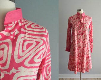 60s Batik Coat Dress / Pink & White Cotton batik made in Thailand by Jutik ... S/M