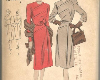 1940s Vogue Special Design Dress Asymmetrical Lapped Seams Jewel Neck Sleeve Variations Vogue 4720 FF Bust 32 Women's Vintage Sewing Pattern