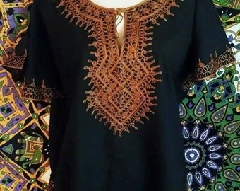 SALE // Morrocan Free-Fitting Unisex Tunic With Elaborate Black + Spiced Earthy Orange Embroidery Detail // Size XL -Free Size
